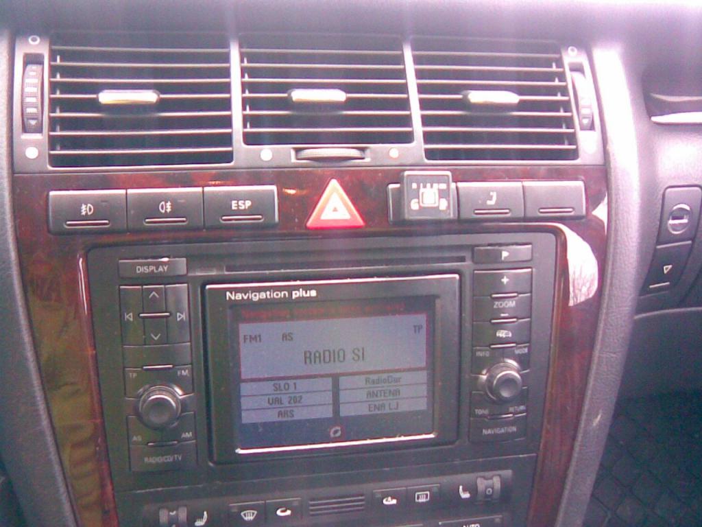 Audi-A8-3-7-2001a
