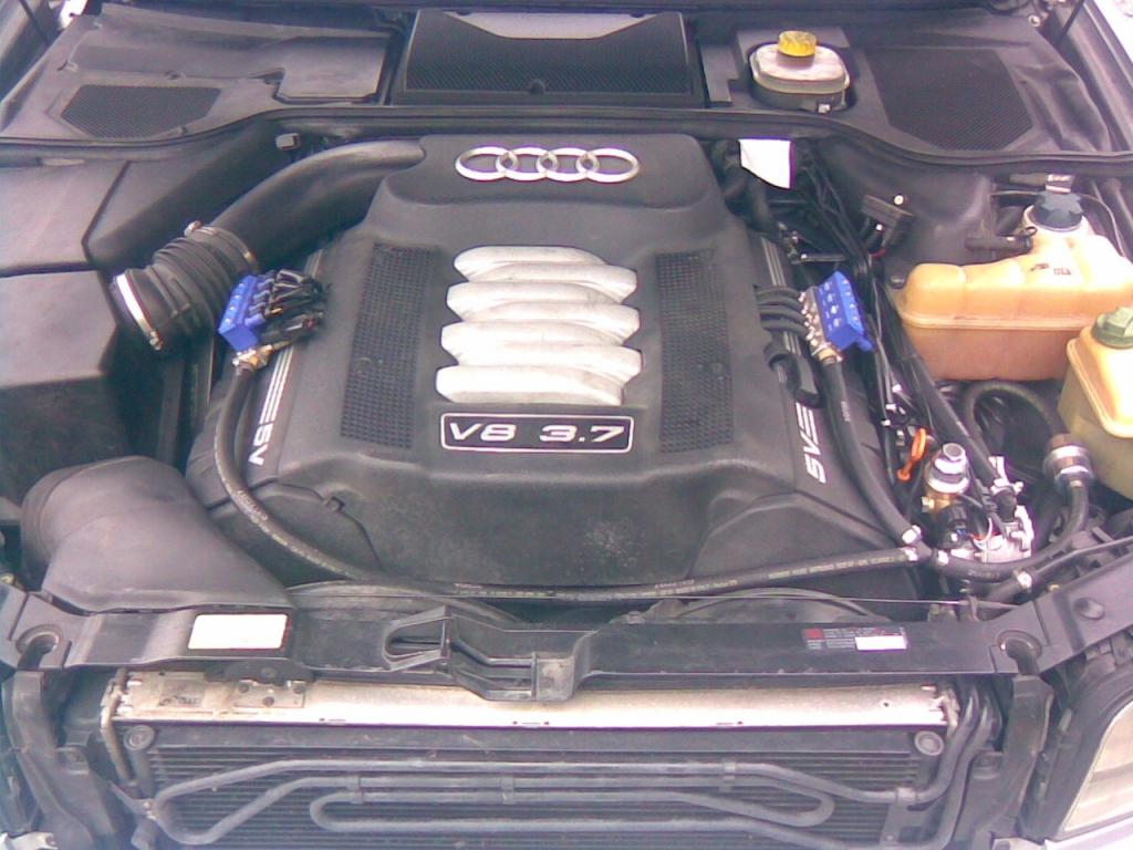 Audi-A8-3-7-2001b