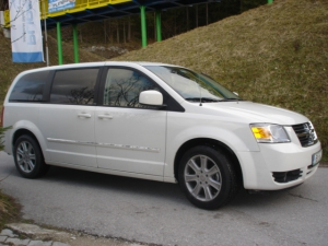 Dodge-Grand-Caravan-3-8b