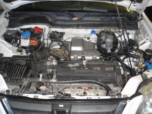 Honda-CR-V-2-0i-1c