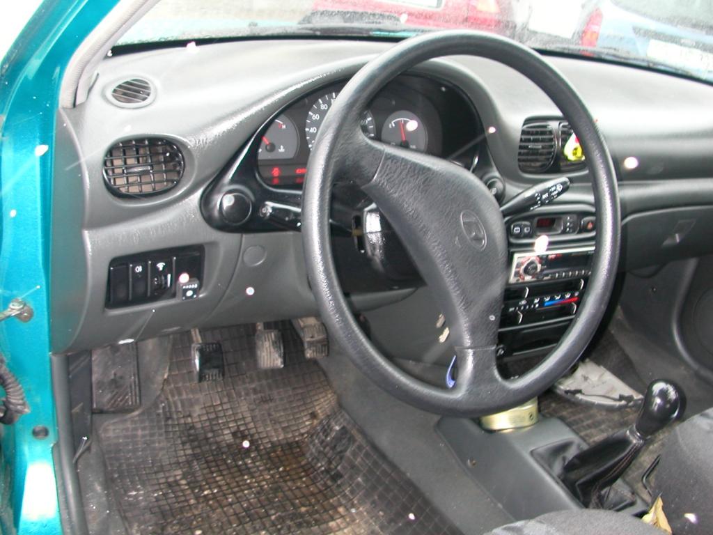 Hyundai-Accent-1-3d