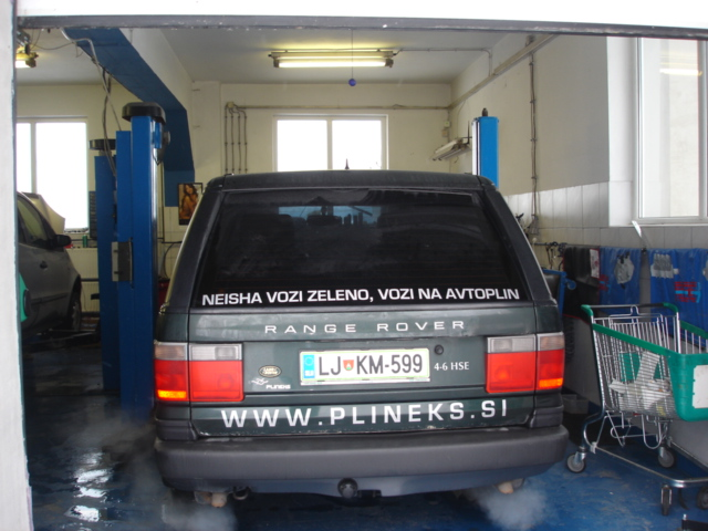 LandRover-Range-Rover-4-6-HSEe