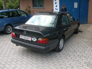 Mercedes-300E-4-maticd