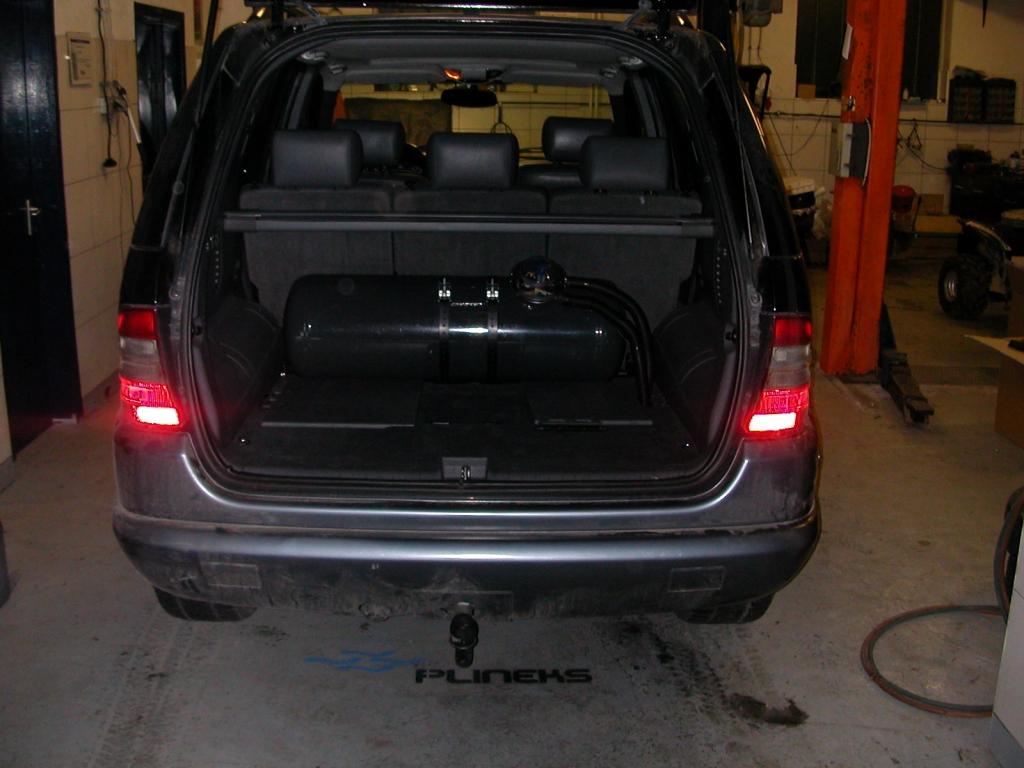 Mercedes-ML320a