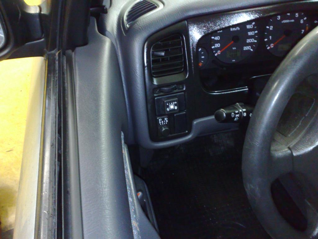 Nissan-Primera-1-6-SLXb