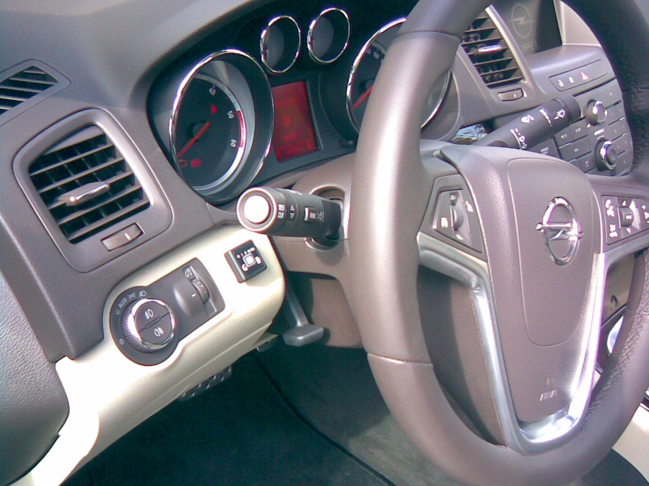 Opel-Insignia-2-8-V6-TURBO-4X4b