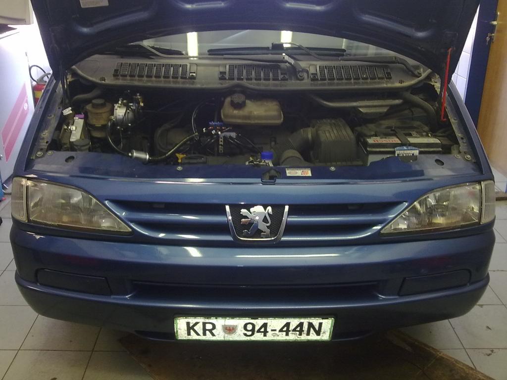 Peugeot-806-2-0a