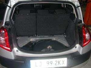 Renault-Megane-II-1-6-16Vb