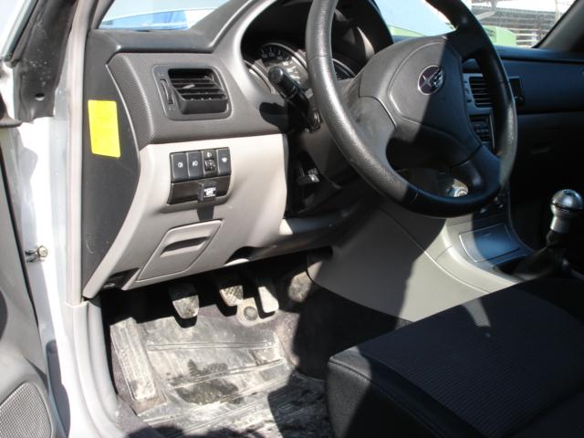 Subaru-Forester-2-0R-AWDb