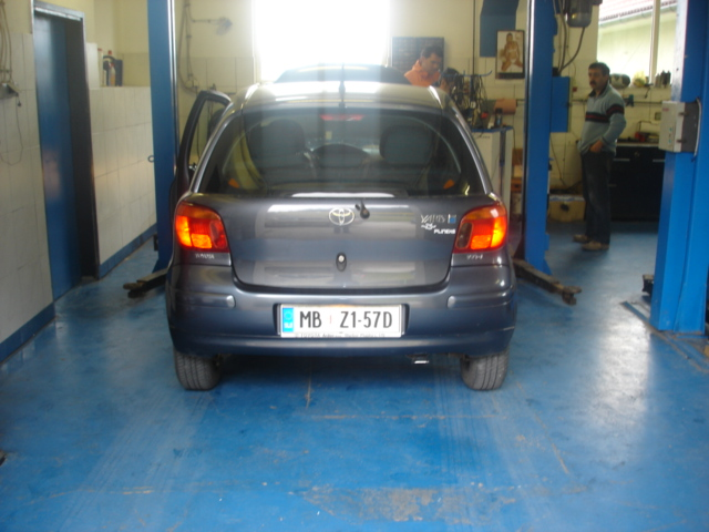 Toyota-Yaris-1-0-VVT-ie