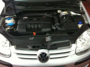VW-Golf-V-1-6ie