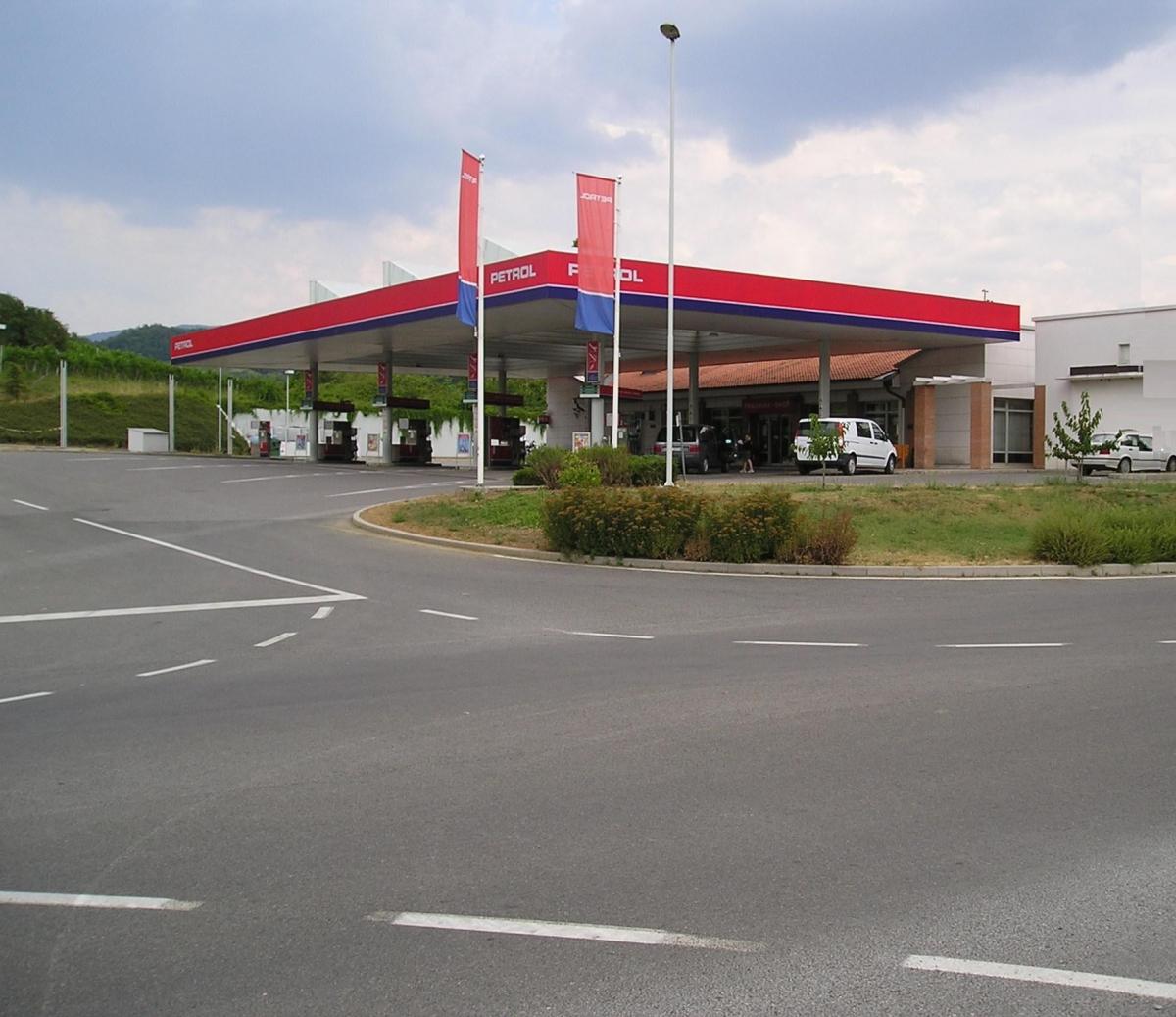 petrol-avtoplin-staloni